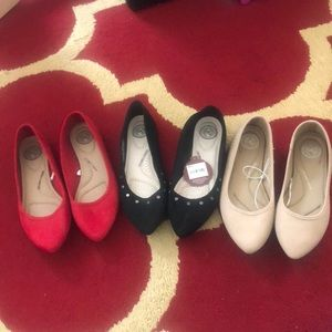 Bundle of new never worn women's flats
